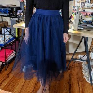 Navy blue tulle midi skirt, size S!